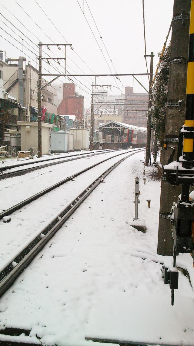 雪の池上駅